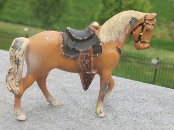Palomino Horse Japan Diecast Painted 3 Inches Tall 1950 Era