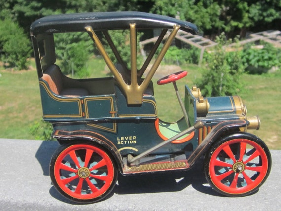 Vintage Lever Action Modern Toys Japan Tin Litho Car