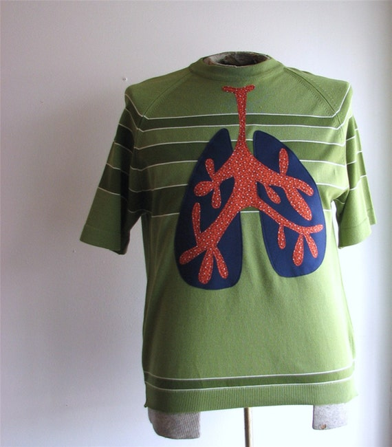 lung capacity sweater - vintage mens large s/s applique - upcycled clothing