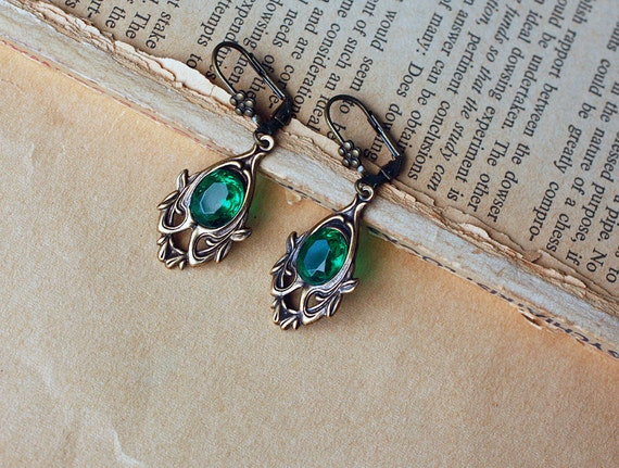 Woodland emerald brass earrings
