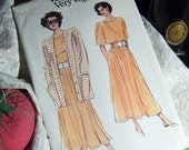 Very Easy Vogue Pattern for Short Sleeve TOP, Gathered SKIRT and Button Front Cardigan JACKET, No. 7752, Size 8-10-12