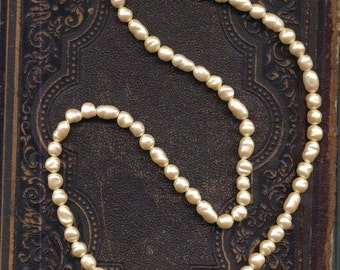 Vintage Faux Freshwater Pearl Necklace 24 Inches Barrel Clasp Seventies