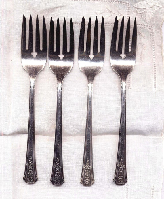 Dessert Seafood Forks Romford Pattern Oneida Fancy Silver Plated Set Of Four 1939 Art Deco