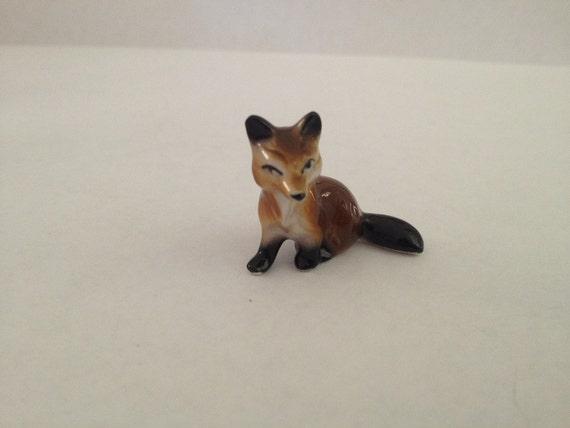 tiny fox Miniature Figurine HAGEN RENAKER