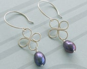 Clover and Pearl earrings