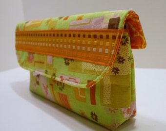 Green Wristlet Bag, Clutch Bag, Fabric Handmade Wristlet Clutch, Catey Bag