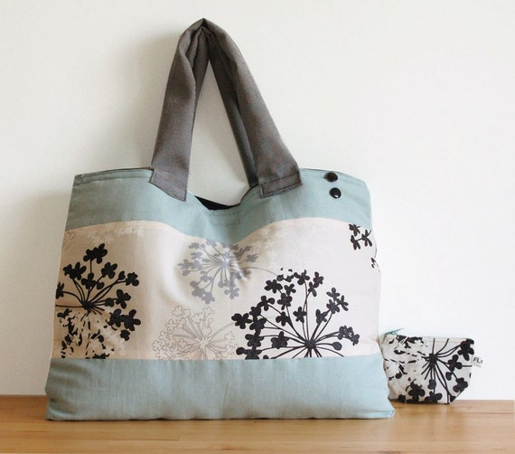 FREE SHIPPING - Parsley flowers tote