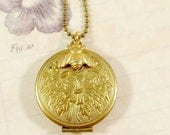 Locket Necklace : The Beekeeper
