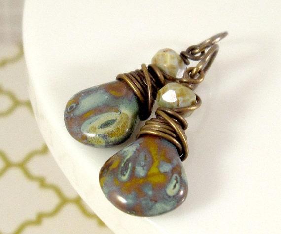Rustic Wire Earrings : Moss Green