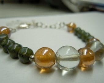 Iridescent Glass Beads and Faceted Green Agate Gemstones Bracelet