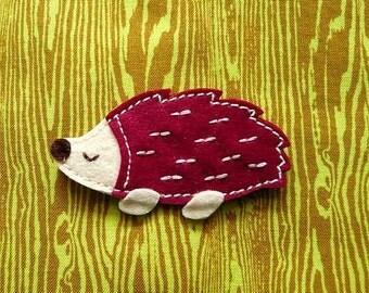 Hedgehog Pin Brooch, Hedgehog Pin, Hedgehog Brooch, Felt Hedgehog, Hedgehog Badge, Porcupine Pin, Porcupine Badge, Felt Hedgie - BURGUNDY