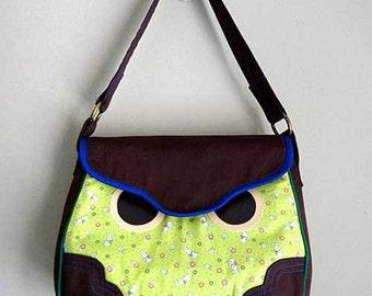 Clearance SALE Owl Handbag / Hoot The Owl Bag / Owl Purse (White Green Bunnies Fabric)