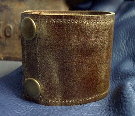 Men's Reversible Leather Wrist Cuff with Concealed Zippered Compartment - Distressed Brown with Brass