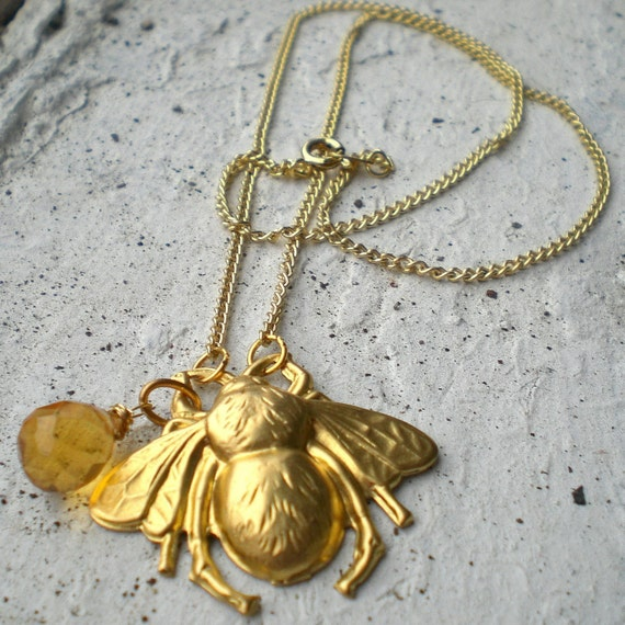BIG BUMBLE necklace