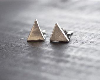 Simple Peaks - Sterling Silver Triangle Earrings - Minimalist Geometric Stud Earrings - Minimal Modern Jewellery - Simple Everyday Jewelry