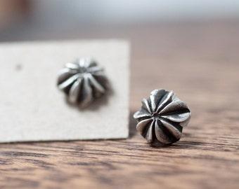 chrysanthemums - Flower Stud Earrings, Mother's Day Earring, Sister Jewelry, Silver Post Earrings, Grandmother Earrings, Bridesmaid Gift