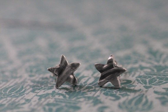 wood star studs - faux bois star earrings - faux bois star studs - simple star studs - everyday earrings - casual earrings - everyday studs
