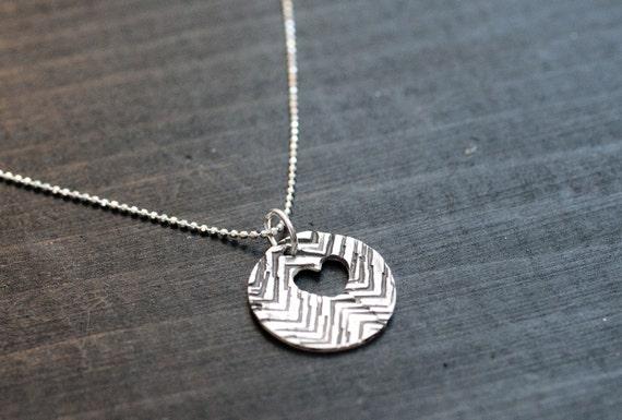 Silver Chevron Heart Necklace - Circle Necklace - Simple Heart Necklace - Chevron Patterned Necklace