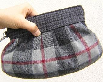 SALE, Janbag Wristlet bridesmaid bridal clutch wristlet grey handmade gift for her - Wool plaid grey red