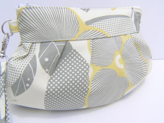 Janbag wristlet , bridesmaids bag, bridal, diaper bag, bride- Optic blossom in linen