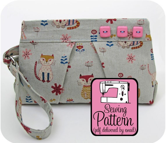 Pleated Wristlet Sewing Pattern - PDF (Email Delivery) - Instructions to Make it Yourself