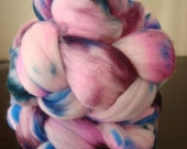 Berry Picking - 3.6  ounces of hand dyed 90/100 Merino roving