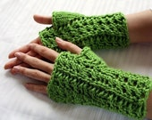 Green Holly Leaf Fingerless Gloves - 2009 Winter Line