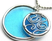 Tangle Round II - stained glass pendant (391)
