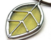 Single leaf - stained glass pendant (782)