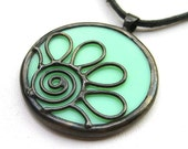 Daisy - round stained glass pendant 1366