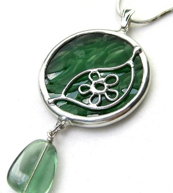 Stained glass pendant with bead (1246)