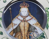 Queen Elizabeth in Coronation Robes Tudor I  Glass Round Paperweight tartx