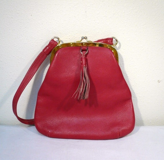 Vintage 60s RED LEATHER PURSE / Mod Handbag Tote with Tassel and Metal Clasp