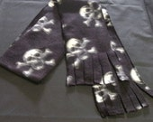 Black and White Skull Winter Scarf