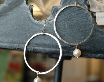 Simple Hoops with a Twist