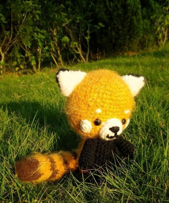 Aidan the Red Panda Amigurumi