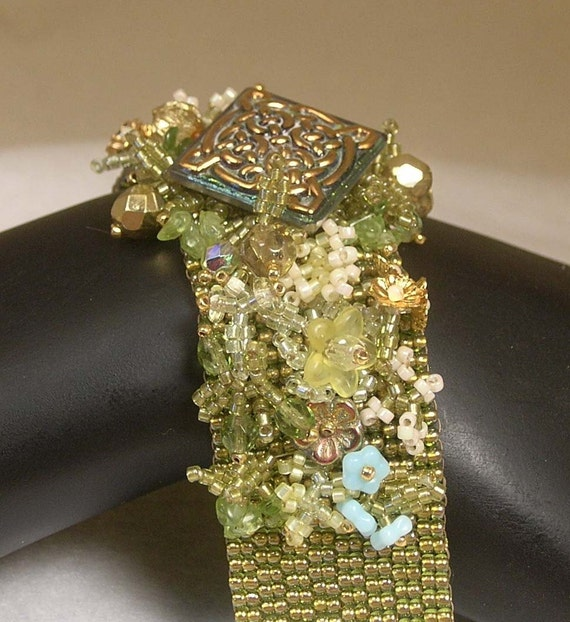 Beadwoven Czech Glass Button Flower Garden Bracelet