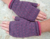 cuffed love gloves