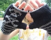 pint size pirate gloves