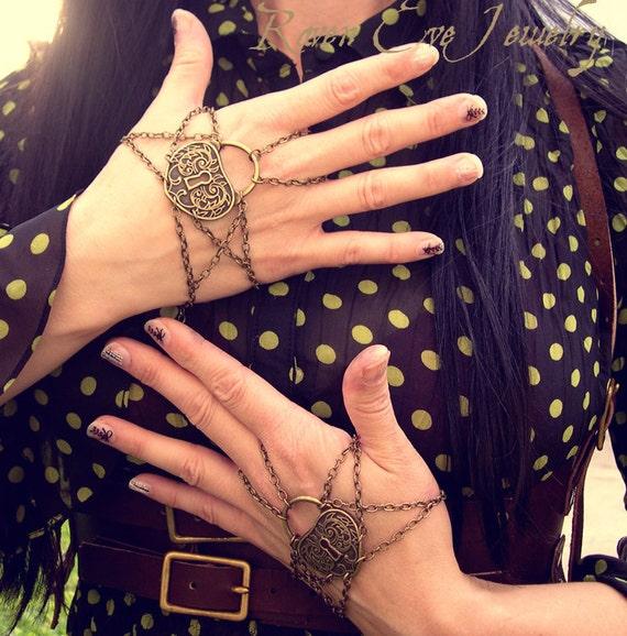 Houdini Chain Half Glove Steampunk Slave Bracelet Hand Jewelry LEFT HAND one piece