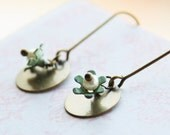 Vintage Flower Earrings - little enameled flowers in mint green and round coin charm