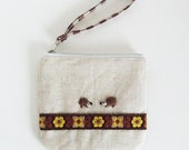SALE Mini wristlet zipper pouch - linen and needle felted hedgehog