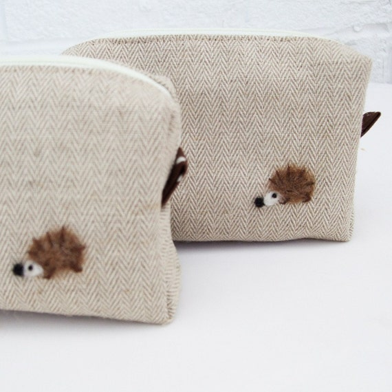 Mini box pouch - Herringbone linen and needle felted hedgehog