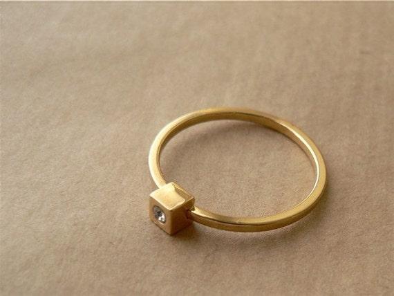 vintage gold ring - glimmer