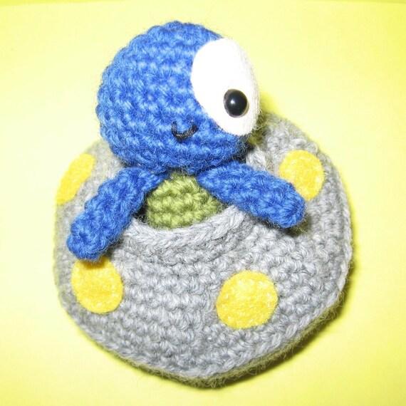 Little Alien and his Spaceship - PDF amigurumi crochet pattern