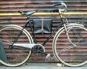 explorer bicycle bag in black and gray