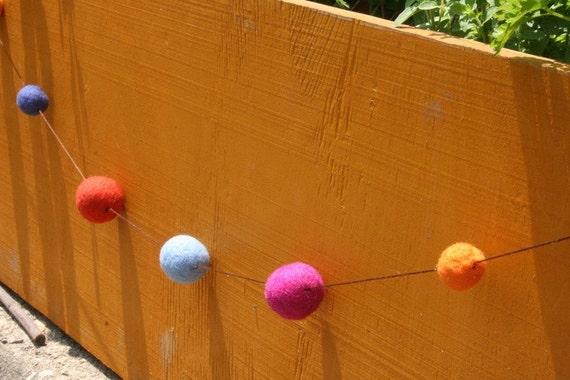 Everyday Garland - Holiday - Home - Party - Decoration - Eco Friendly - Natural - Felted Wool