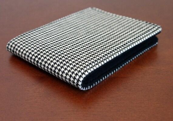 Last One Men's Wallet Black and White Houndstooth 5 Pocket Billfold