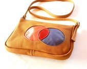 Venn Diagram Bag in Tan Leather by BonspielCreation