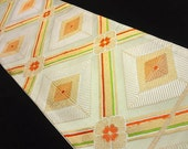 Vintage silk Japanese Obi - Off white and gold  - Sooo pretty - excellent condition